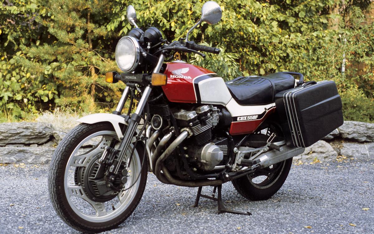 Honda CBX550F 10b